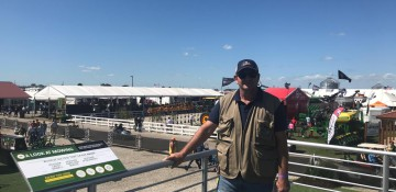 Antonio Brolio visita a Farm Progress Show em Decatur, no estado do Illinois.